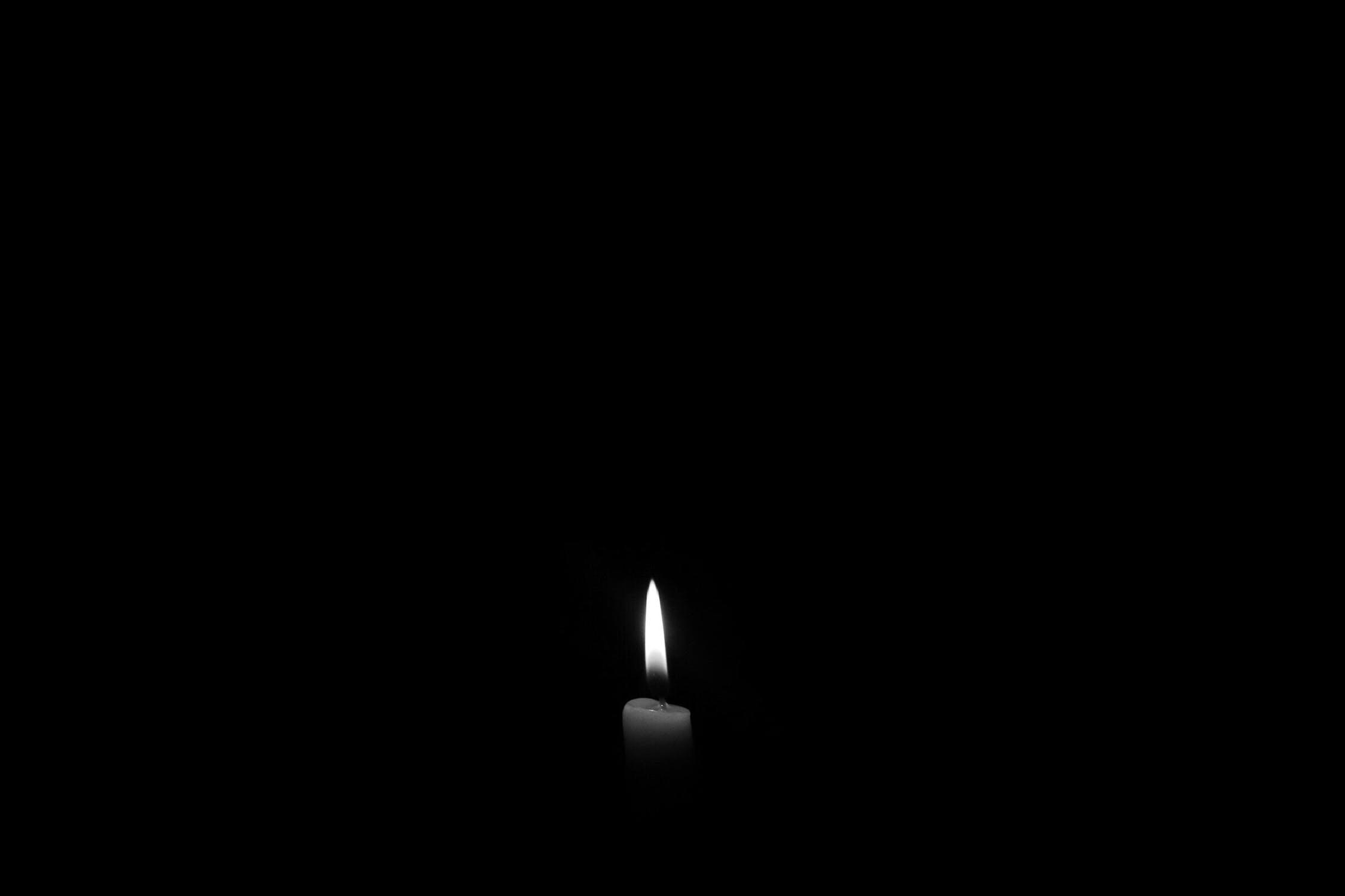 Znalezione obrazy dla zapytania świeczka żałobna